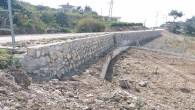 Hatay Büyükşehir Belediyesi'nin taş duvar örme çalışmaları İl genelinde devam ediyor
