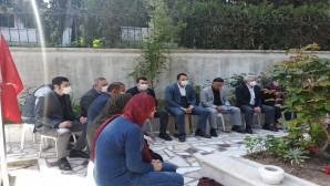 CHP şehitler için Kuran okuttu: Dualarımız şehitlerimiz için, Nur içinde yatsınlar!