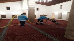 Antakya Belediyesi ekiplerinden Ramazan ayı boyunca tüm camilerde temizlik çalışması