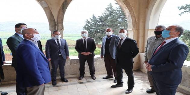 Vali Rahmi Doğan Reyhanlı'da Sinema Müzesine dönüştürülen binayı inceledi