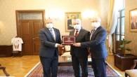 HESOB Başkanı Teksöz'den Vali Doğan'a teşekkür plaketi