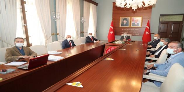 Kırıkhan Organize Sanayi Bölgesi toplantısı Vali Rahmi Doğan'ın başkanlığında yapıldı