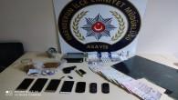 Hırsızlık suçlusunun evinden uyuşturucu ve silah bulundu