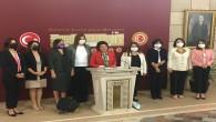 CHP'nin kadın milletvekilleri hükümetin uyguladığı kadın politikasını eleştirdi: Türkiye'nin geleceğinden endişeliyiz!