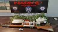 İskenderun'da bir kişinin evinde Diş Hint keneviri ile 1 adet otomatik tüfek  yakalandı
