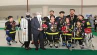 Vali Rahmi Doğan, Hatay'da Gerçekleştirilen İlk Buz Hokeyi Turnuvasına Tribünden Destek Verdi