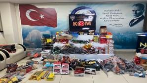 Kırıkhan ilçesinde bir araçta gümrük kaçağı çok sayıda malzeme yakalandı