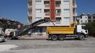 Hatay Büyükşehir Belediyesi Rüstem Tümer Paşa caddesini asfaltlıyor
