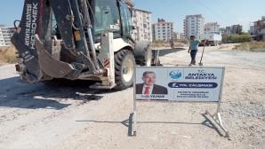 Antakya Belediyesi'nin yol çalışmaları  aralıksız devam ediyor