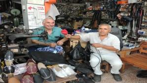 Ayakkabı Tamirci Ustaları : 'Bizden Sonra Bu Meslek Biter'
