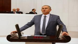 CHP'li Sertel: Saraylara harcanan para ile 84 bin kişilik 84 ayrı yurt yapılabilirdi!