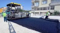 Hatay Büyükşehir Belediyesi Defne Çekmece'de  beton asfalt serimini sürdürüyor