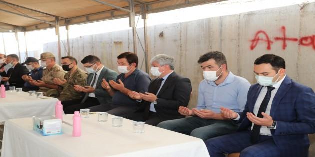 Vali Rahmi  Doğan'dan, Şehit Turgay Abacı'nın Ailesine Taziye Ziyareti