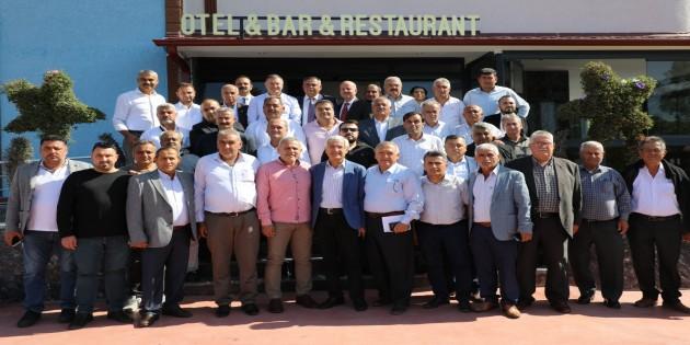 Hatay Büyükşehir Belediye Başkanı Lütfü Savaş Arsuzlu Muhtarlarla bu kez bir araya geldi!