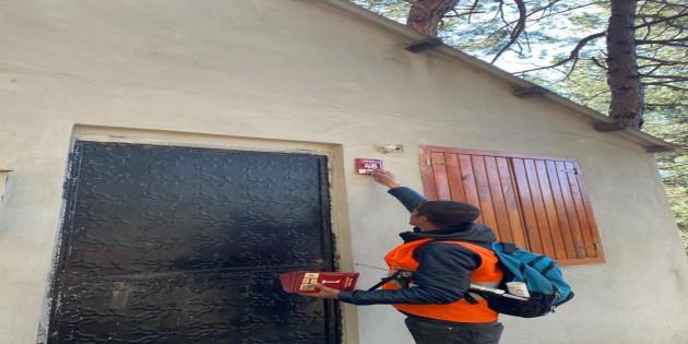 Hatay Büyükşehir Belediyesi Levha Montaj çalışmalarını sürdürüyor