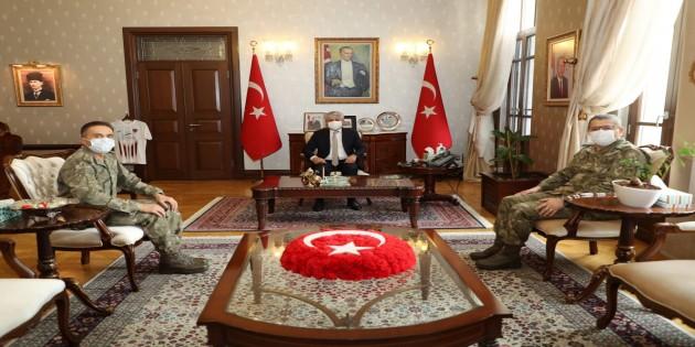 Tuğgeneral Hakan Tutucu'dan Vali Rahmi Doğan'a Nezaket Ziyareti
